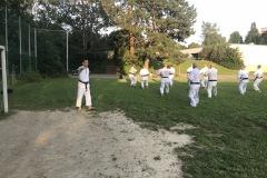 Training mit Akita Sensei Sportplatz Burgberg 1